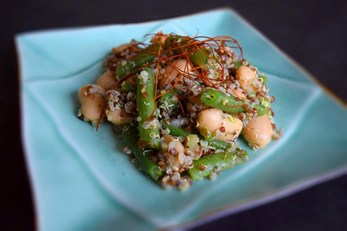 Quinoa Bohnen hell