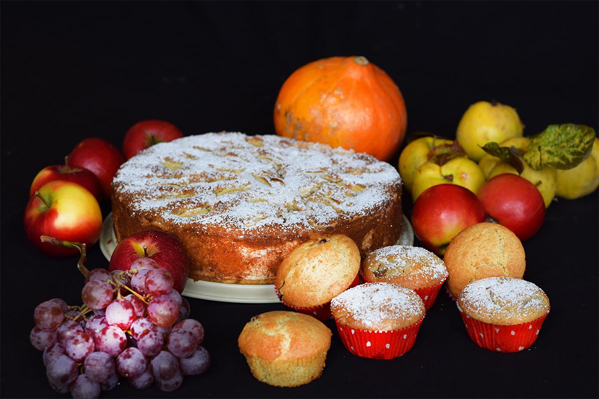 Apfelkuchen mit Nüssen und Marzipan