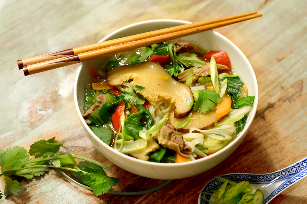 Asiatische Nudelsuppe